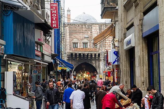 Entrance-Spice-Bazaar-Istanbul