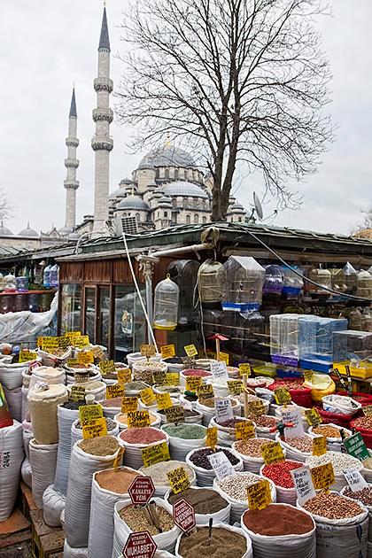 OutDoor-Market-Istanbul