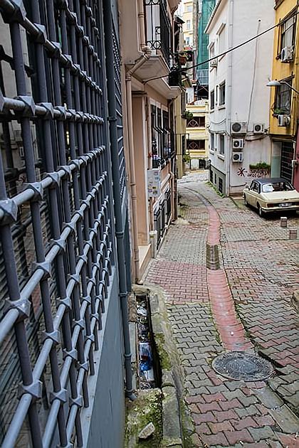 Cihangir-Street-Photography