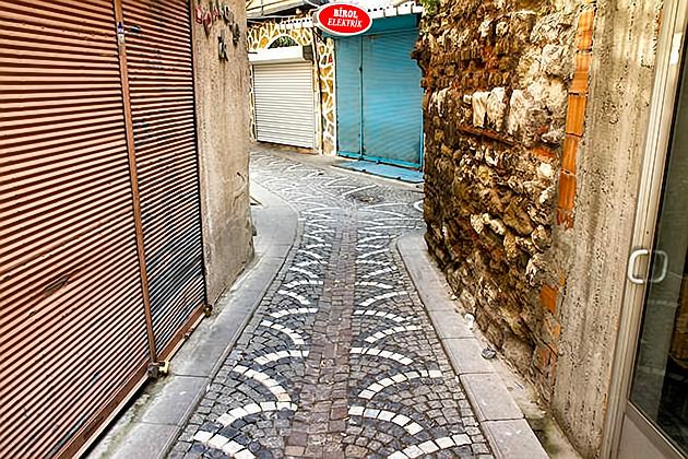 Secret-Bazaar-Alley