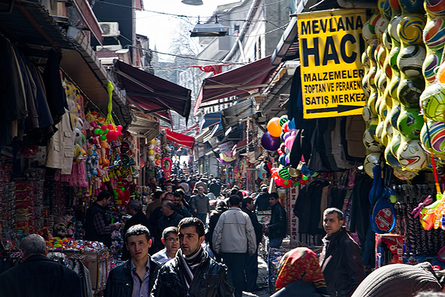 Shopping-Street-Travel-Blog-Istanbul