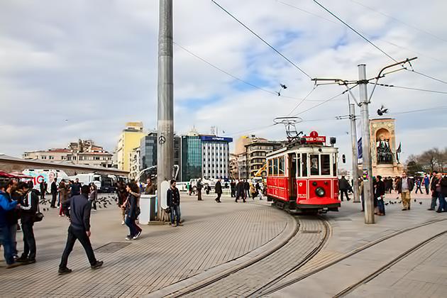 Tram-Turkey-Istanbul