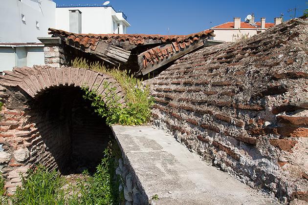 /Housing-Aqueduct