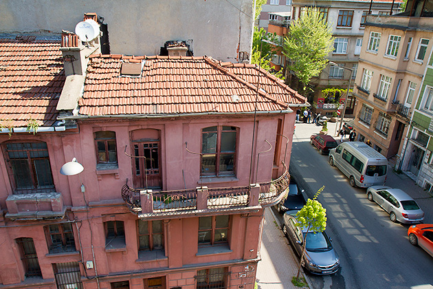 Old-Houses-In-Istanbul