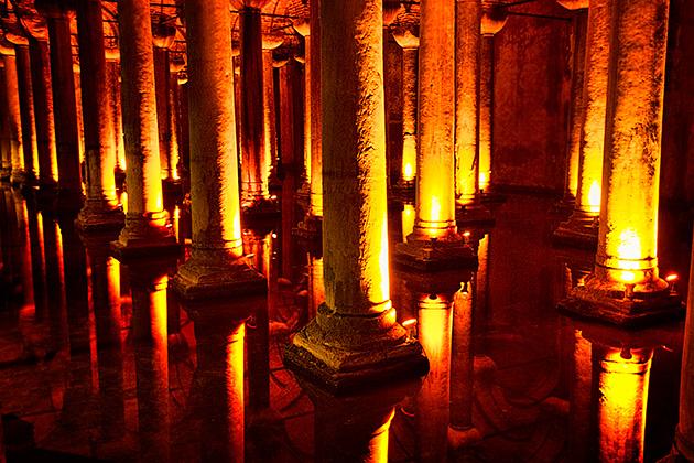 James-Bond-Cistern-Istanbul