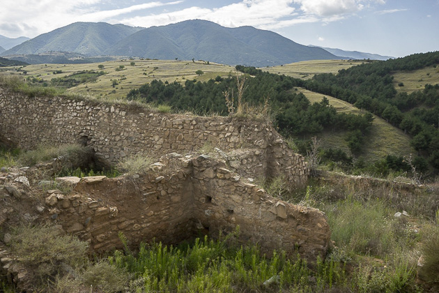 Ruins Around Ko?ani