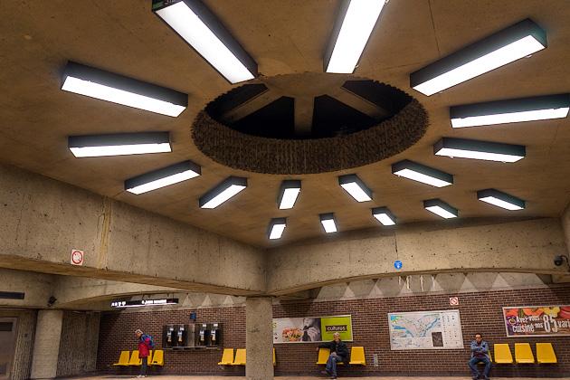 Metro Pie IX