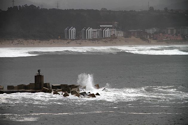Waves Asturias
