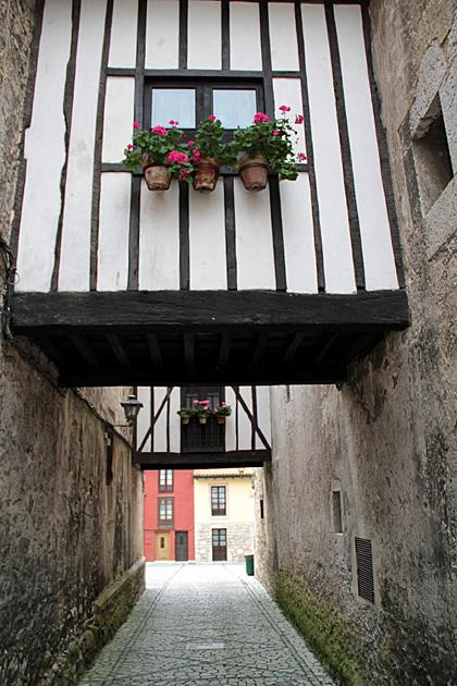 Llanes Alley