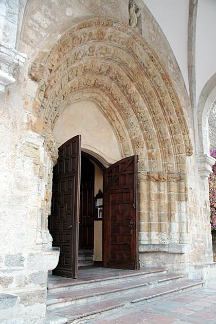 llanes Puerta