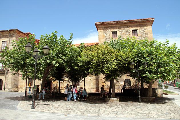 Plaza Gijon