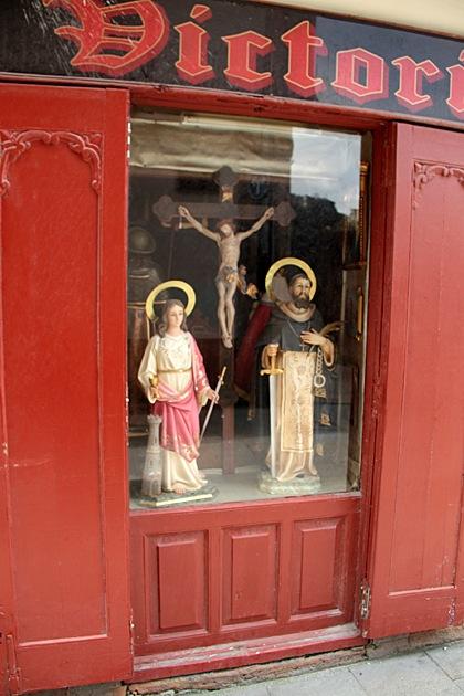 Holy Window Display Oviedo