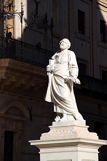 Statues Siracusa