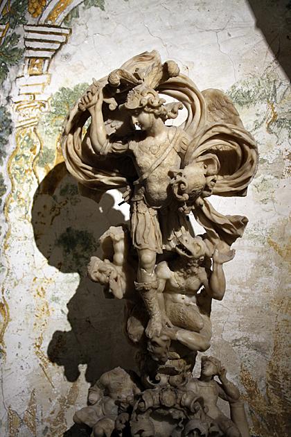 Monreale Statue