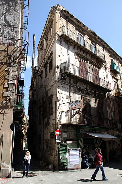 Narrow Street Palermo