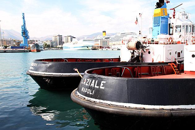 Tuck Boat