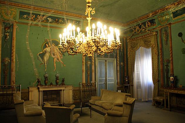 Royal Apartments