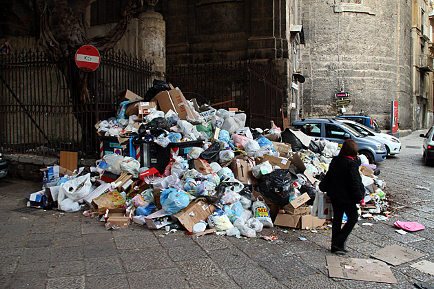 Trash Problem Italy