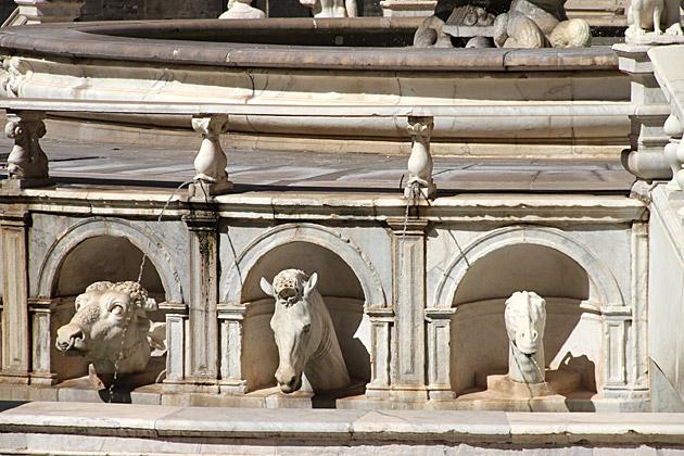 Fountain Animals