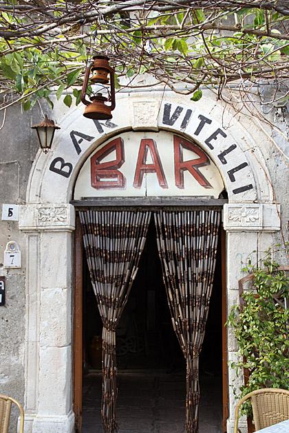 Bar-Vitelli-Godfather