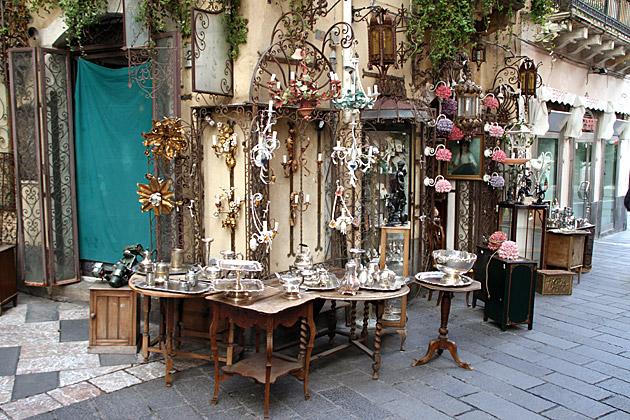 Antiques-Toarmina