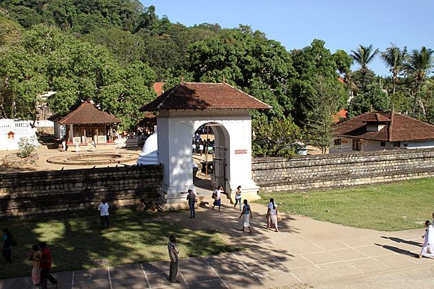 Pattini-Devale-Entrance