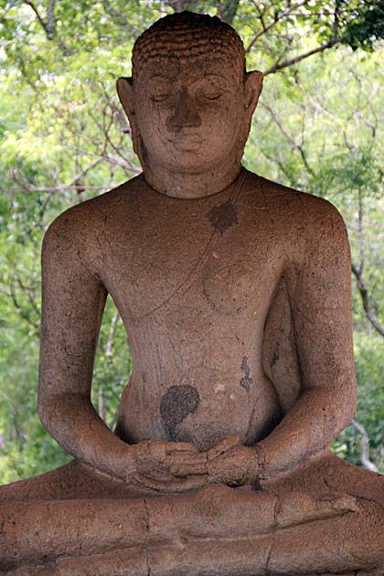 Old-Buddha-Anuradhapura
