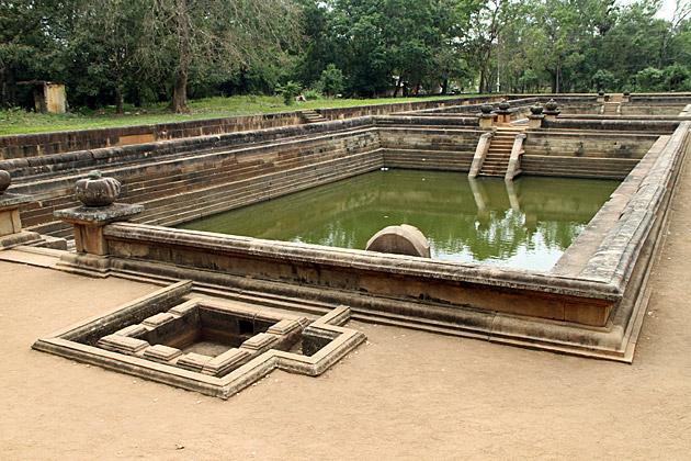 Twin-Bath-Anuradhapura