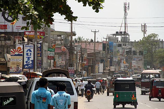 Main-Street-Anuradhapura