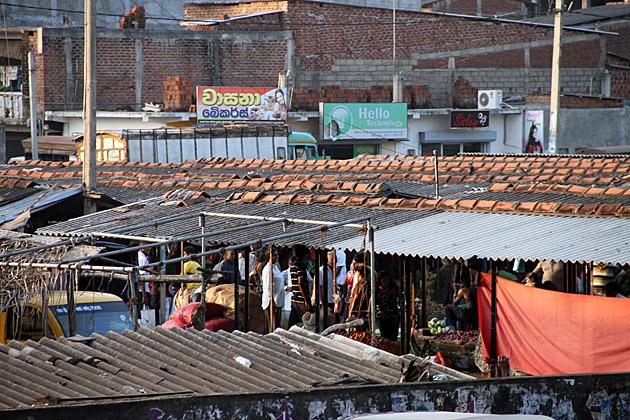 Sunday-Market-Anuradhapura