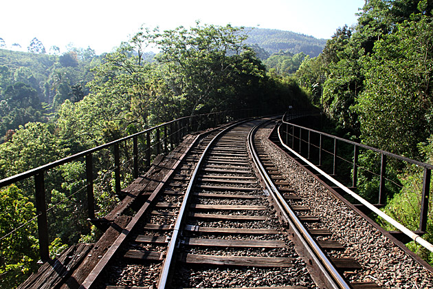 Train-Bridge-Sri-Lanka