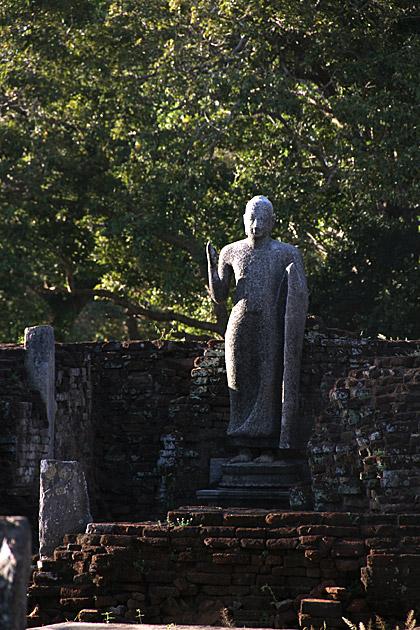 Velgam-Vihara-Buddha