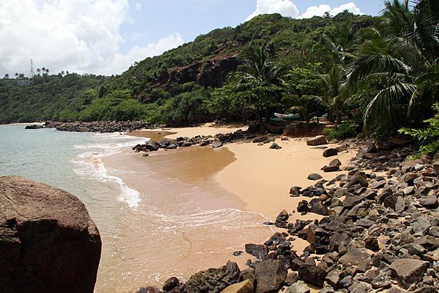Jungle-Beach-Sri-Lanka