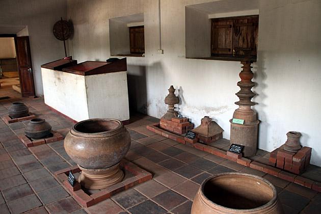 Sri Lankan Pots