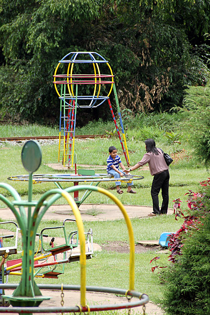 Playground-in-Sri-Lanka