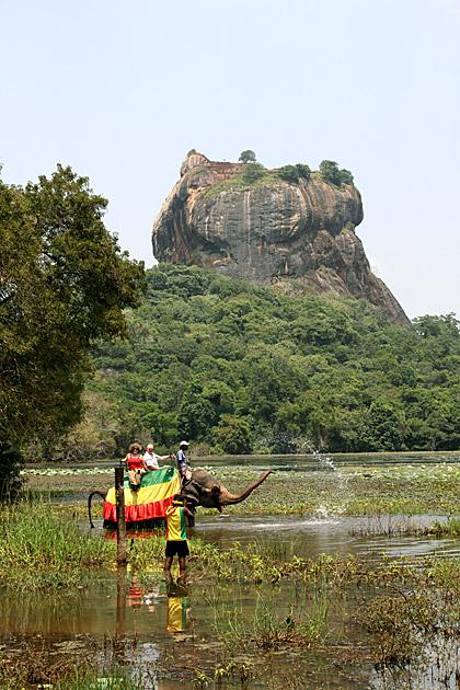 Tourist Trap in Sri Lanka