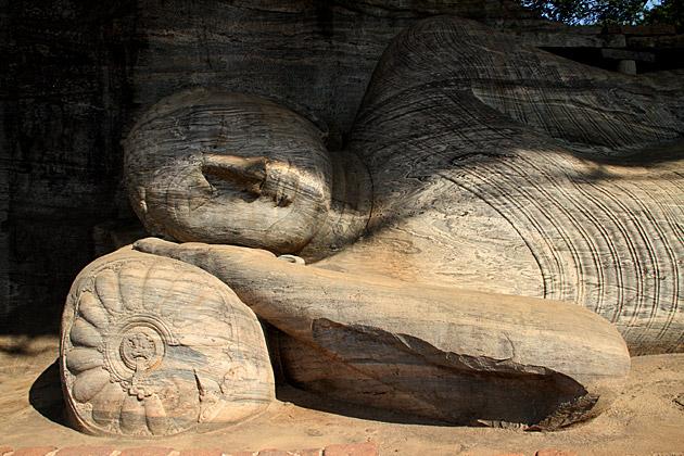 Gal-Vihara-Sleeping-Buddha