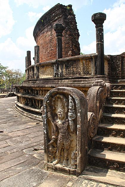 Guard-Stone-Polonnaruwa