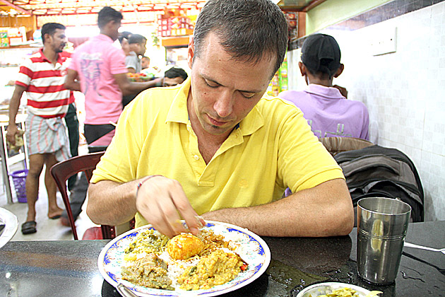 Eating With Hands in Sri Lanka