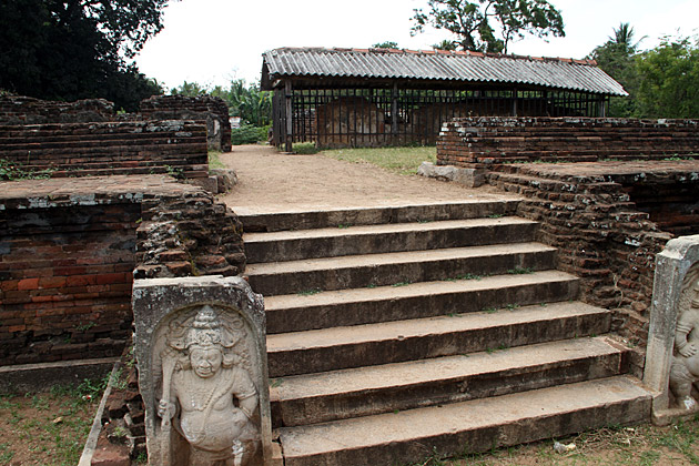 Royal-Palace-Anuradhapura