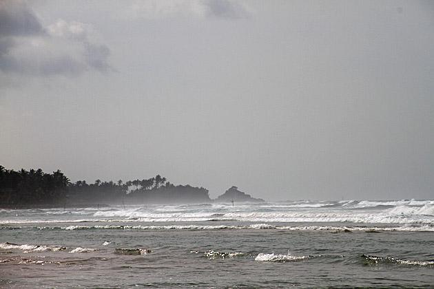 Crazy Waves Sri Lanka