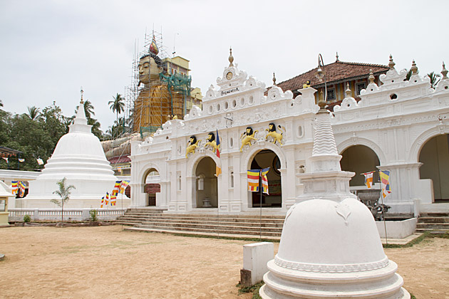 Wewurukannala-Temple-Sri-Lanka
