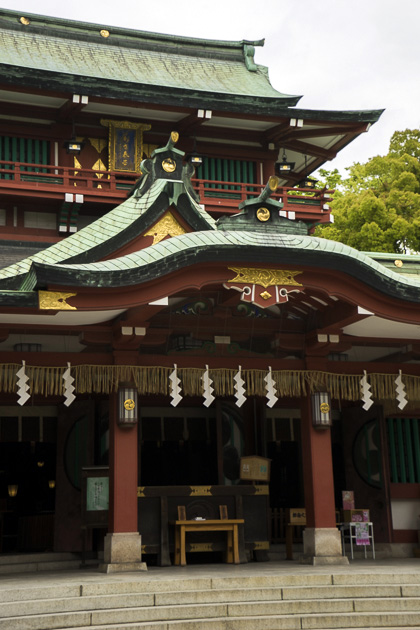 Fukagawas Fudo-do Temple and Tomioka Hachiman Shrine