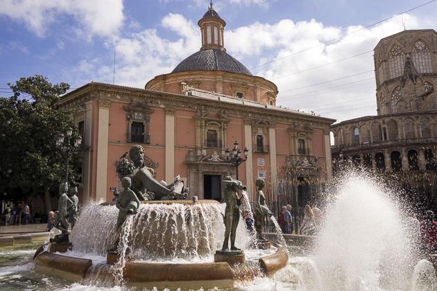 Plaza De La Virgin