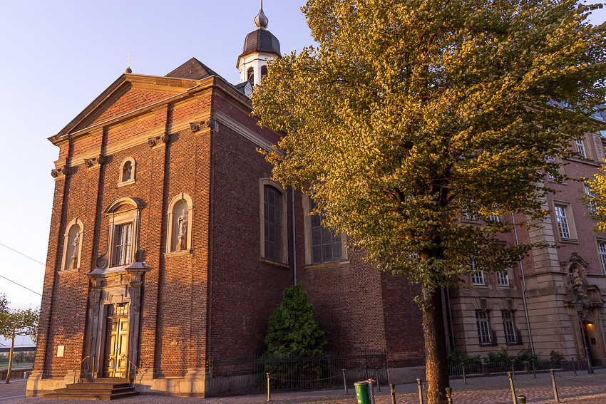17 Dusseldorf Altstadt DSC05841