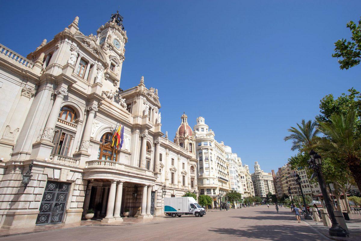 Valencia City hall delivery