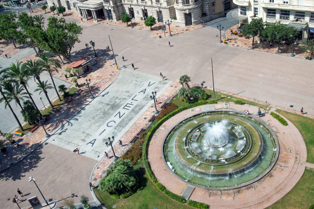 Valencia City Plaza del Ayuntamiento Fountain