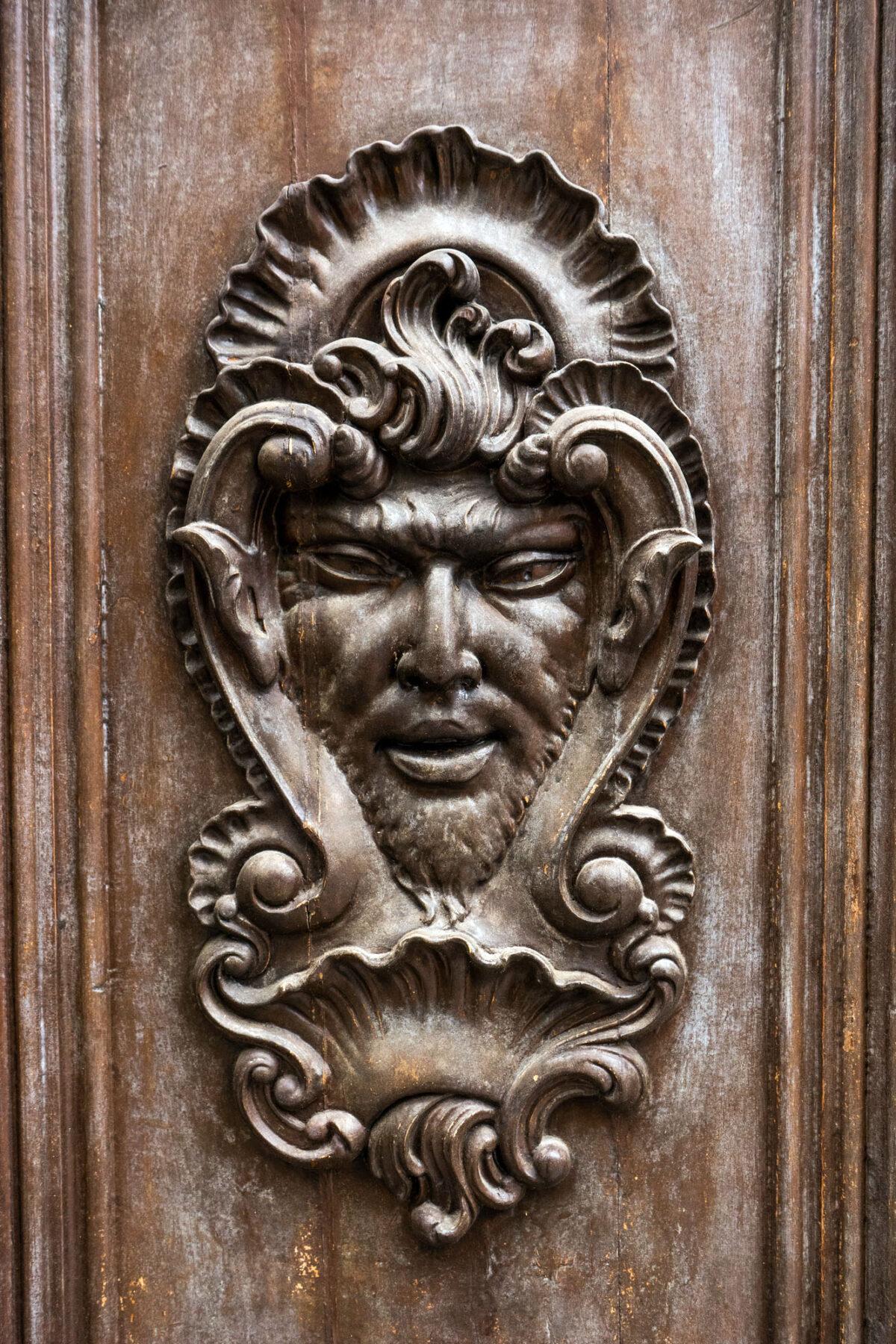 Face Wood Carving Door Valencia