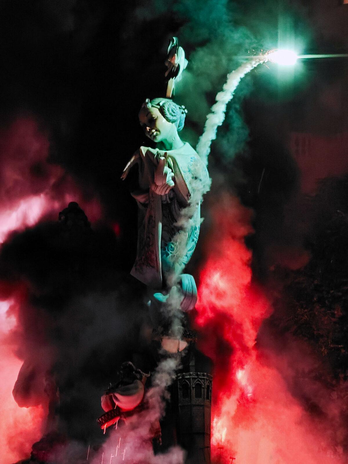 Going up in Smoke la Crema Fallas 2021 Maestro Gozalbo